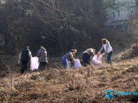 """Акция по почистване се проведе днес в квартал """"Сторгозия"""""""