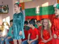 """Патриотичен рецитал изнесоха бъдещите първокласници на ДГ """"Ралица"""" – Плевен"""