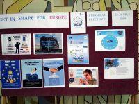 Ученици от Езиковата в Плевен победители в Национално младежко състезание за плакат за евроизборите
