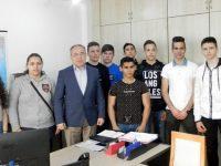 Зам.-областният управител д-р Красимир Трифонов прие деветокласници от Левски