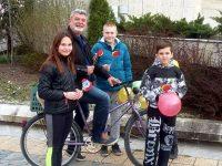 Доброволци вдъхновяваха жителите на Левски в Международния ден на щастието