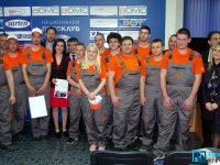 """Плевенчани триумфираха в състезанието """"Стани стипендиант на ЧЕЗ"""" (галерия)"""