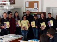 Наградиха ученици от Никопол, участвали в конкурс за есе