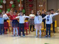 """Татковци и майки играха рок с децата си в ДГ """"Юнско въстание"""" – Плевен"""