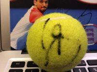 Топки с автографи на тенис звезди продават на търг в подкрепа на болно дете от Плевен