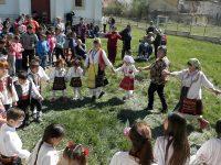 Традициите за Благовец пресъздадоха читалищни дейци във Вълчитрън