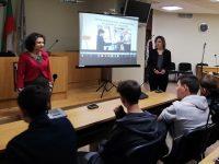 """Среща """"Перспективи за развитие на младите хора след завършване на средното образование"""" организираха от Жени ГЕРБ – Плевен"""