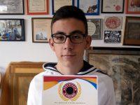 Талантлив млад художник от Плевен с най-високото отличие от конкурс в Индия