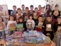 """С различни инициативи отбелязаха Седмицата на детската книга малчугани от ДГ """"Щастливо детство"""" – Плевен"""