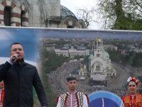 Ангел Джамбазки в Плевен: Българското е закодирано в шевицата, носията, танца, народната песен