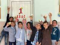 """Първокласници от СУ """"Анастасия Димитрова"""" – Плевен отправят своето великденско пожелание"""