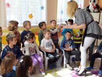 Децата в община Пордим получиха великденски подаръци