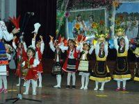 """Песни, танци и пролетно настроение на първия фолклорен събор """"Цветница в Пордим"""""""
