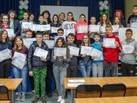 """Ученици от СУ """"Стоян Заимов"""" – Плевен получиха сертификати от състезания по английски език"""