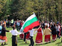 """Песни, танци и много веселие съпътстваха празника """"Майски Кукутановец"""" в Кнежа"""