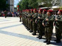 Плевенски военни участваха в честването на Празника на Ловеч
