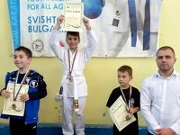 """27 медала за състезателите на """"Спартак"""" (Плевен) от международен турнир по олимпийско карате"""