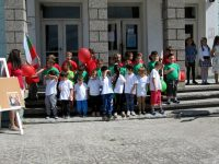 В Малчика организираха празнично шествие и литературна програма по повод 24 май