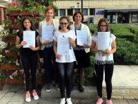 """Педагози и ученици от ОУ """"Д-р Петър Берон"""" – Плевен с награди за 24 май"""