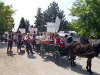 Два големи празника събраха жители и гости на Тотлебен днес на площада в селото