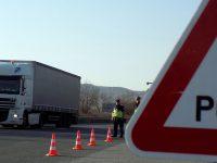 Полицията със засилени проверки на товарните автомобили и автобусите до 19 май