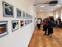 Първа самостоятелна фотоизложба откри в Искър Мартина Огнянова