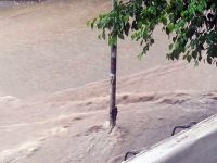 Поройният дъжд в Плевен превърна улици в реки