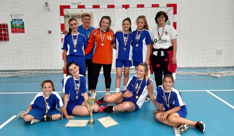 Хандбалистките от Белене са първи на Държавните игри на спортистите от малките селища