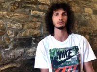 Тихомир Иванов дарява свой медал за благотворителен търг