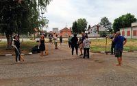 """Десетки жители на Гулянци се включиха в кампанията """"Да изчистим България заедно"""""""