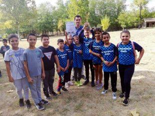 Десетки деца се включиха във велопоход и състезание по теглене на въже в Кнежа