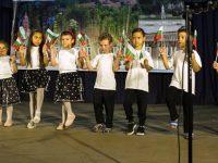 """Три поколения празнуваха заедно на концерта """"Ореховица в сърцата ни"""""""