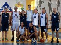 Цветан Антов участва в демонстративна баскетболна среща