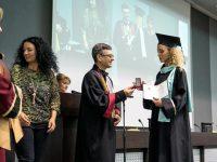 130 бакалаври по здравни грижи получиха своите дипломи на тържествена церемония