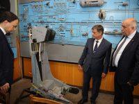 """Комисията по отбрана проведе изнесено заседание във Факултет """"Авиационен"""" в Долна Митрополия"""
