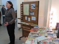 """Изложба """"Магьосникът на думите"""", посветена на Йордан Радичков, откриха в плевенската Библиотека"""