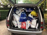 """Младежите от """"Приятели на английския"""" зарадваха с подаръци деца от социален център в Плевен"""