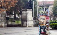 """Партиите """"пропуснали"""" да плащат за разлепване на плакатите си по общинските афишни колони в Плевен"""