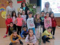 """5-годишни малчугани от ДГ """"Надежда"""" се потопиха в света на книгите в плевенската Библиотека"""