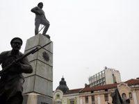 """Монтираха камери за видеонаблюдение на площад """"Възраждане"""" и при паметника на Девета пехотна плевенска дивизия"""