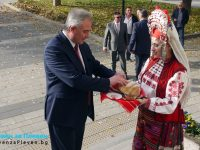 Тържествено бе посрещнат в Общината кметът Георг Спартански