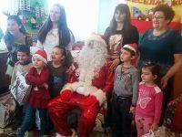 Коледни подаръци получиха детските градини и децата с увреждания в община Гулянци