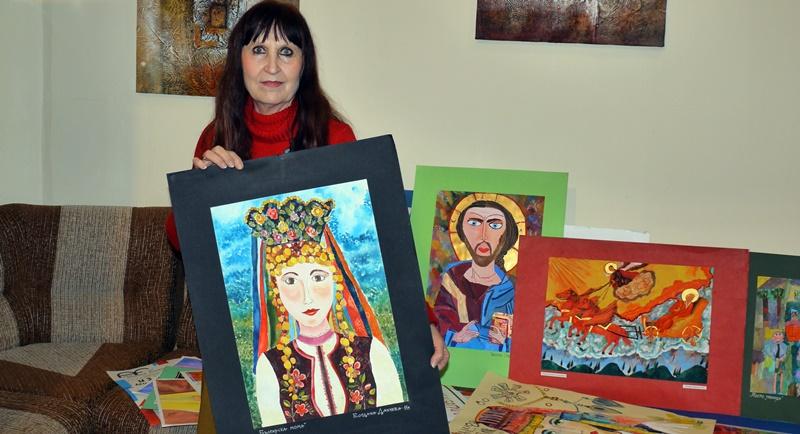 """Майя Ананиева дари част от архива на артшкола """"Колорит"""" на читалище """"Съгласие"""""""