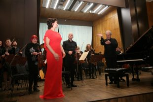 Празник за меломаните в Плевен с маестро Пламен Джуров, Дора Делийска и Плевенска филхармония – снимки