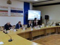 Зам.-министър Султанка Петрова участва в дискусия в Плевен за стратегията за възрастните хора