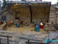 Сцена на Рождество допълва празничната атмосфера в Плевен