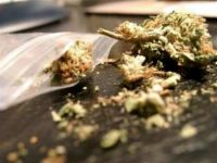 Задържаха 14-годишен с марихуана