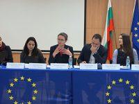 Цветелина Пенкова: 25% от бюджета на ЕСеза инвестиции в борбата с климатичните промени