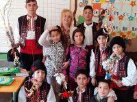 Деца от училището в Търнене празнуваха Василица