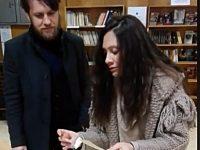 """Веселин Плачков и Мариана Попова изтеглиха печелившите в томболата на библиотеката на читалище """"Съгласие"""""""